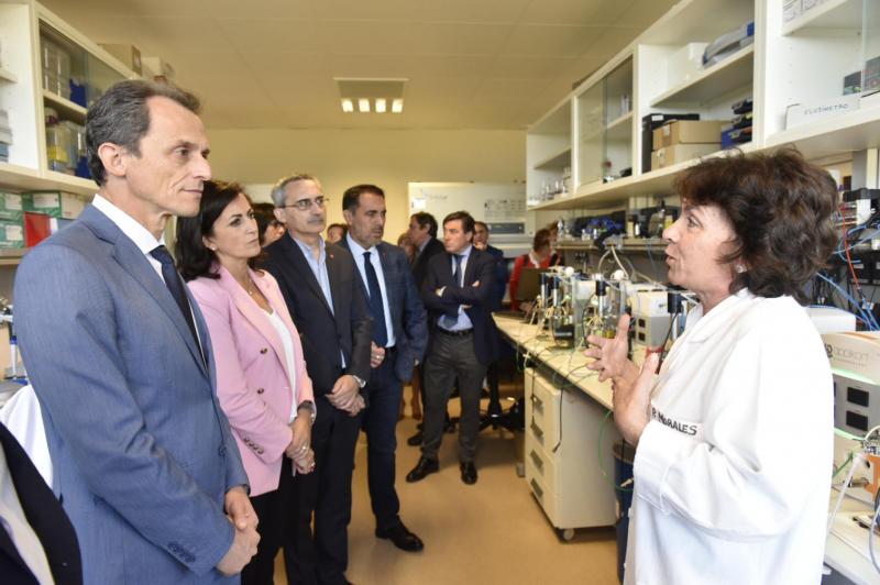 Pedro Duque con la investigación en el ICVV Microwinelab microwine ComFuturo FGCSIC