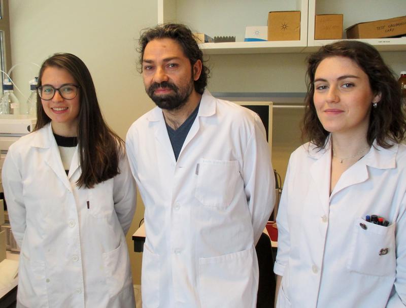 Tres investigadores predoctorales: Andrea Martín, Rubén Blanco y Sandra Marín
